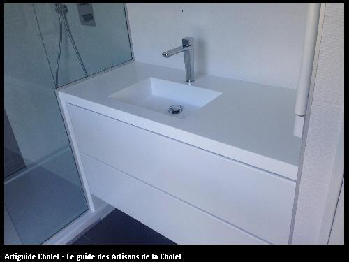 Meuble de Salle de Bain plan de travail en Solid Surface Krion blanc cuve encastré. Meuble 2 tiroirs blanc.