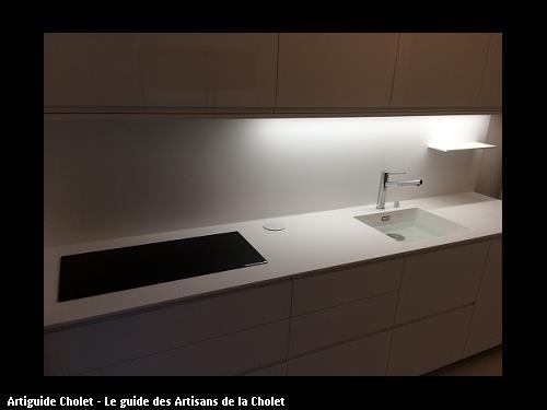 plan de travail avec vasque encastré crédence en Krion